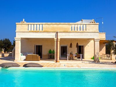 Photo for 6% DISCOUNT LATEST DATES - 5-star villa, pool and Jacuzzi, Ostuni [5 people]