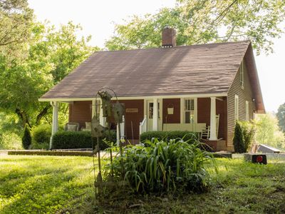 Photo for Cozy Country Cottage 25 Min. from Downtown Nashville!!