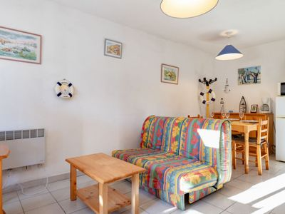 Photo for Apartment Les Floralies II in Le Grau du Roi - 4 persons, 1 bedrooms