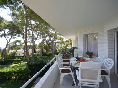 Photo for Beautiful apartment, situated in a quiet residence just 400 meters from Platja Fonda, and