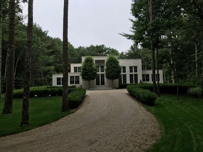 Photo for Contemporary Designer Home. 10 min. to ocean; 7 min. to EH and Sag Harbor