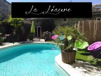 Fantastic house, yard and pool! - and landlord. All rooms and equipment were fine.