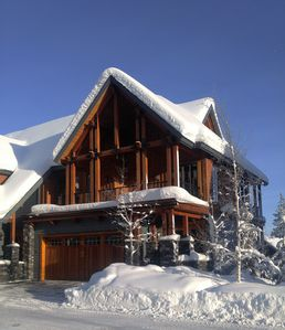 Photo for Ski-In Ski-Out, Private Hot Tub, Spacious End Unit, Panoramic View