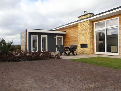 Photo for Luxe villa with sauna in a green holiday park between Maastricht and Valkenburg