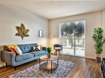 Photo for Unwind In The Sunshine City | 1br w/Pool + Parking