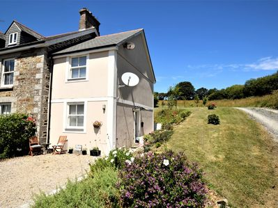 Charming cottage set in acres of idyllic grounds including an orchard