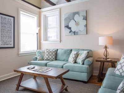 Heart Of Dowtown! Walk Everywhere! No Need For Car! 2Br, 2B City Market Apt #3