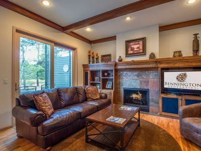 Photo for On Deschutes River, 3 King Suites, Ping Pong, A/C, 2 Gas Fireplaces - SISK12