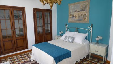 Photo for Andalusian house, typical patio, solarium, to visit Granada, Alhambra, free Wifi