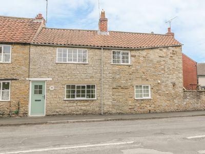 Photo for Corner Cottage, KIRKBYMOORSIDE