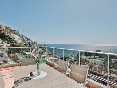 Photo for Boutique penthouse overlooking the ocean * BBQ * 3 Bdrm.