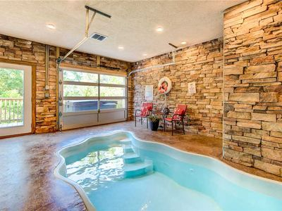 Photo for Mountain Splash, 2 Bedrooms, Sleeps 6, Private Indoor Pool, Hot Tub, Pet Friendly