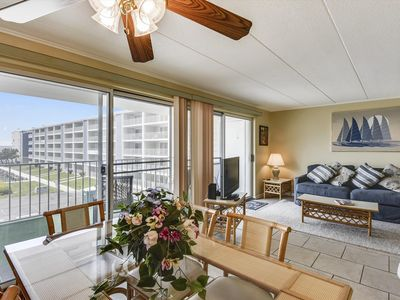 Photo for Cute Bayfront Unit - Walk to Beach, Shopping & Convention Ctr.