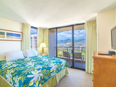 Fabulous Mountains Views on 36th floor | AC, Wifi & Parking | Short Walk to Beach!