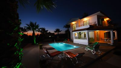 Stunning Detached 3 Bedroomed Villa With Private Pool, Spacious Garden & WiFi