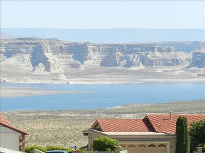 5 Minutes from the Lake! Perfect for a Big Family!!!