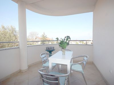 Photo for Modern apartment with balcony and sea view - Frga