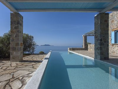 Photo for Sea front Stone villa with breathtaking views and private access to the sea!