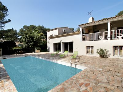 Photo for 5 bedroom Villa, sleeps 10 in Juan-les-Pins with Pool, Air Con and WiFi