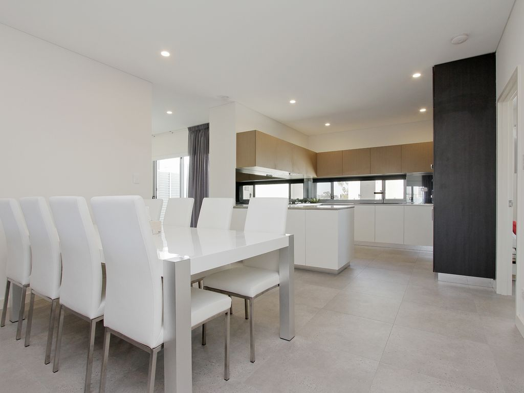 Modern & Luxurious family apartment in East Perth