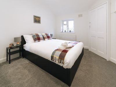 Photo for Cosy 3bed2bath w/garden, near Central London & O2