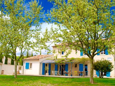 Photo for Beautiful Provencal house with pool: the countryside near Aix en Provence
