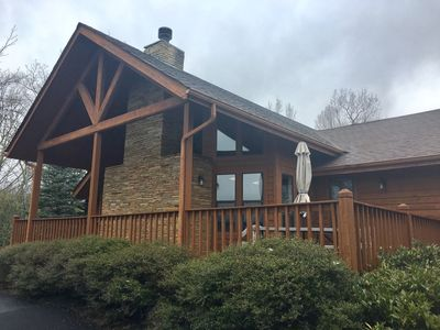 Beautiful Lodge with gorgeous Mountain Views!