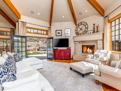 Photo for Stunning home w/incredible view, hot tub, 3 fireplaces, 2 kitchens