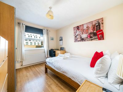Photo for Bethnal Green & Victoria Park 2 Bed Flat - Great Transport