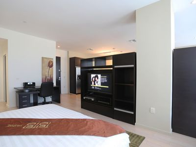Photo for Downtown Luxury Condo 2BD 1 F