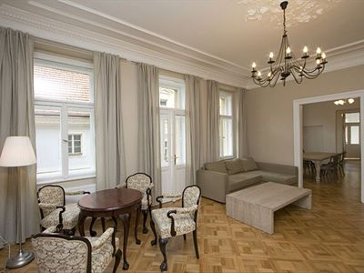 Best Location, Historic Center, Super-Classy large 3-BR Apartment