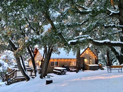 "Photo for ""Cozy Oaks Cabin"" Peaceful Mountain Getaway, Charming & Romantic!  Trail Pass..."