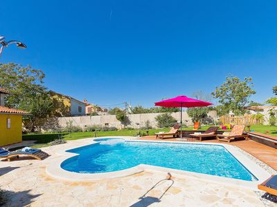Photo for Beautiful private villa with A/C, WIFI, private pool, TV, washing machine and parking