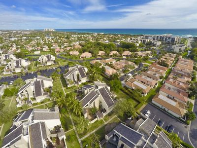Photo for Great location blocks from Jupiter Beach, restaurants, and waterfront dining