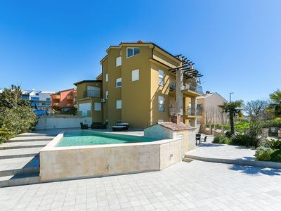Photo for Holiday apartment Medulin for 2 - 7 persons with 3 bedrooms - Holiday apartment
