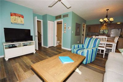 Hickory Cove 8 - Living Room with Flat Screen TV