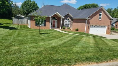 Great size front yard and plenty of parking in the driveway for all!