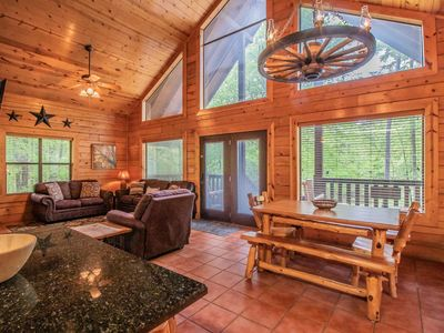Photo for Peaceful Pines Luxury Cabin -Close to All-River/Lake/Restaurants/Casino/Hiking