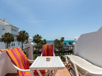 Photo for Sunny 1 bedroom apartment with sea views, Wi-fi, pool, 24 h security service