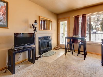Photo for Cozy, ski in / ski out, dog-friendly studio with shared hot tub