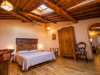 Photo for Discover Florence in a quiet apartment with a gorgeous view, air conditioning