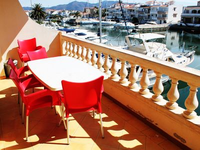 Photo for Empuriabrava, apartment with views Marina and close beach and shops