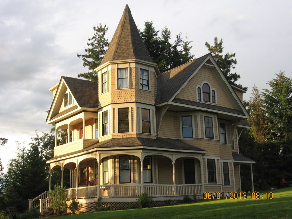 enchanting victorian style kitchen   Victorian Queen Anne Heritage Home, Built In 1898 ...