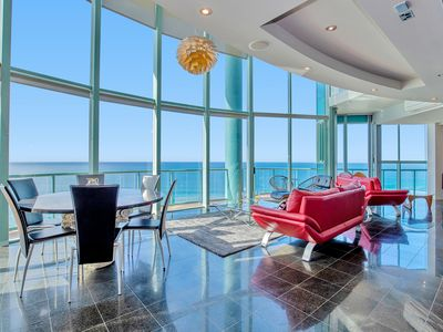 Photo for 3 Bedroom Skyhome Penthouse with expansive beach and ocean views