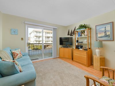 Photo for 1 BR 1 BA Home - Only 1/2 Block From The Beach
