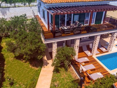 Photo for 4BR House Vacation Rental in Omiš, Dalmatien