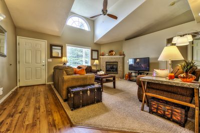 """Great Room w/gas fireplace, 51"""" Flat Screen TV and Blu-Ray Player"""