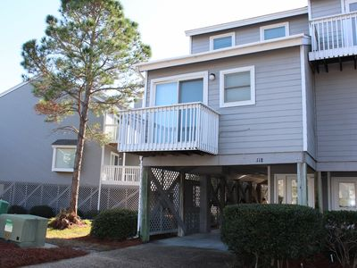 Photo for 2 BR / 2 BA, Gulf View, Dog Friendly, Cozy & Comfortable!!