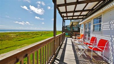 Vibrant Beachfront Galveston House w/ Ocean Views!