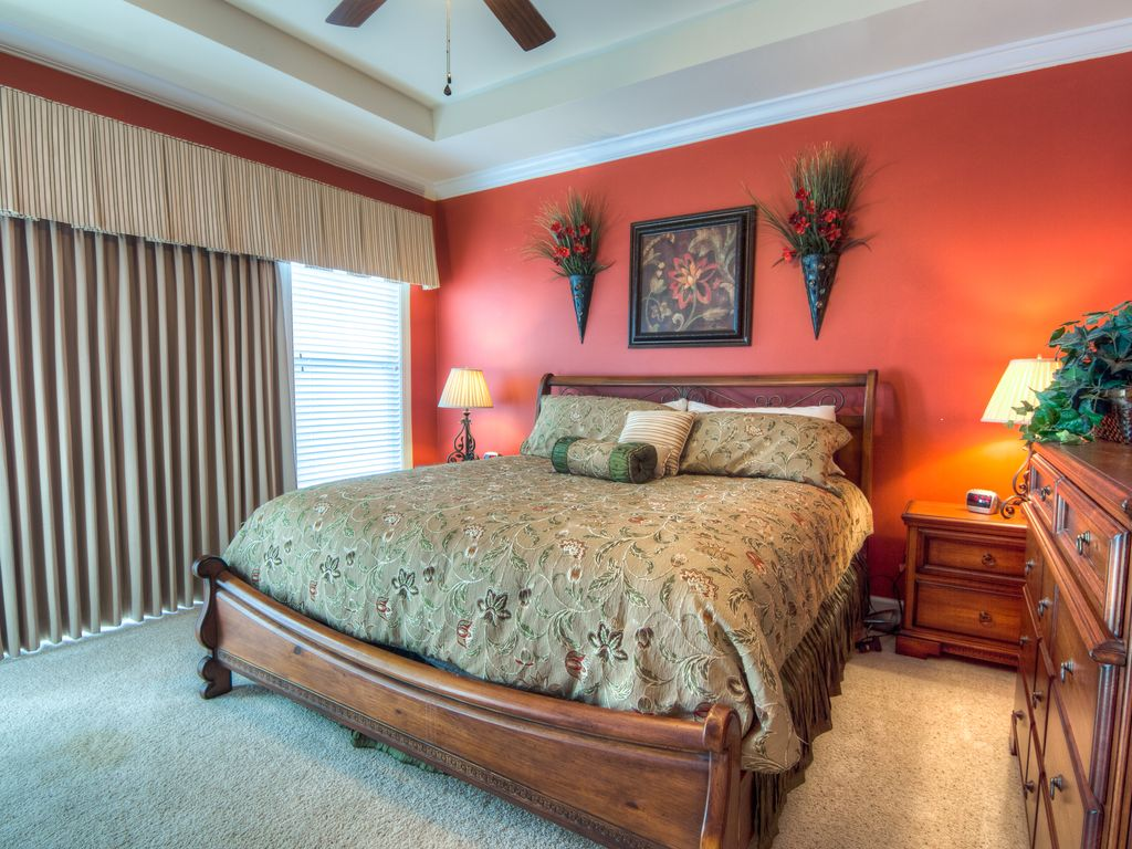 North Myrtle Beach Condo Rental   Master Bedroom